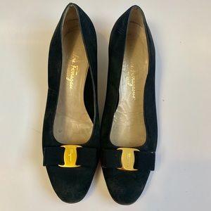 Vintage 1990s black suede Ferragamo bow pumps